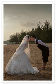 small beach wedding in phuket